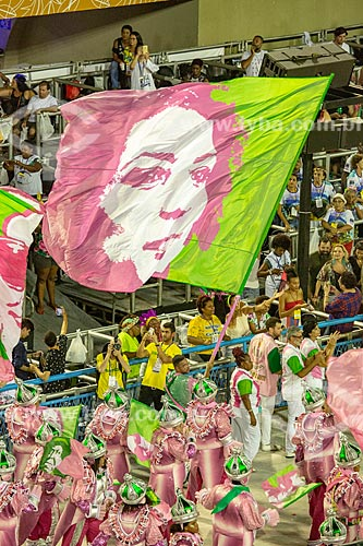 Bandeira em homenagem à Vereadora Marielle Franco durante o desfile do Grêmio Recreativo Escola de Samba Estação Primeira de Mangueira - Enredo 2019 - História para ninar gente grande  - Rio de Janeiro - Rio de Janeiro (RJ) - Brasil