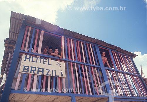 Fachada de bordel próximo ao distrito de Serra Pelada - década de 80  - Curionópolis - Pará (PA) - Brasil