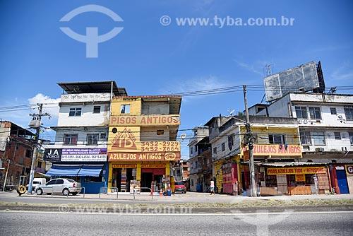 Loja de azulejos antigo às margens da Avenida Ayrton Senna  - Rio de Janeiro - Rio de Janeiro (RJ) - Brasil