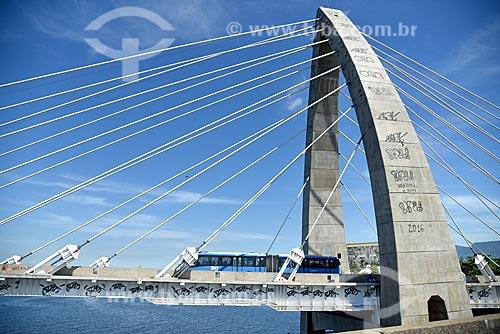 Ônibus do BRT Transcarioca na Ponte Prefeito Pereira Passos (2014)  - Rio de Janeiro - Rio de Janeiro (RJ) - Brasil