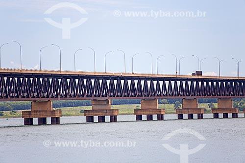 Ponte Rodoferroviária (1998) - maior ponte fluvial brasileira (3.700 metros) - divisa natural entre os Estados do São Paulo e Mato Grosso do Sul  - Aparecida do Taboado - Mato Grosso do Sul (MS) - Brasil