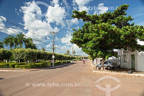Praça na Avenida Cuiabá às margens do Rio Araguaia  - Torixoréu - Mato Grosso (MT) - Brasil