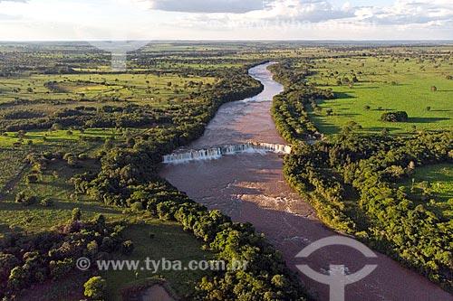 Foto feita com drone do Salto Manoel Franco no Rio Claro  - Caçu - Goiás (GO) - Brasil