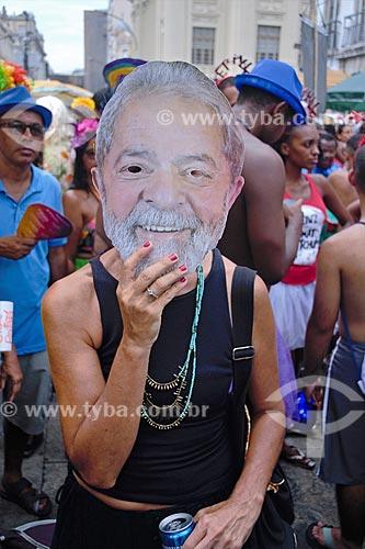 Folião com máscara do ex-presidente Luiz Inácio Lula da Silva durante o carnaval  - Rio de Janeiro - Rio de Janeiro (RJ) - Brasil