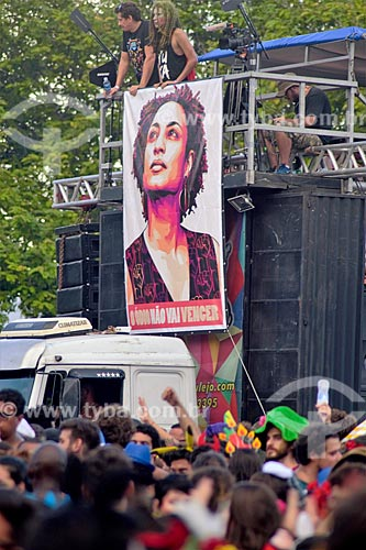 Painel com a imagem de Marielle Franco durante o desfile do bloco de carnaval de rua Sargento Pimenta  - Rio de Janeiro - Rio de Janeiro (RJ) - Brasil