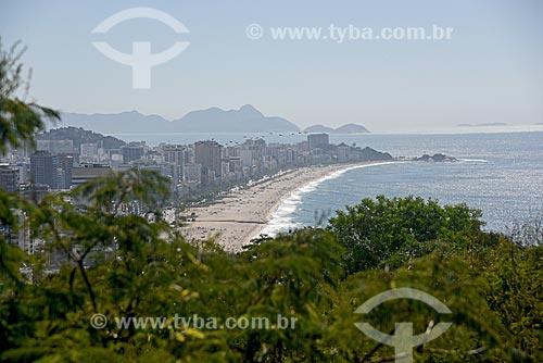 Vista da orla da Praia do Leblon e da Praia de Ipanema a partir do Parque Natural Municipal Penhasco Dois Irmãos  - Rio de Janeiro - Rio de Janeiro (RJ) - Brasil