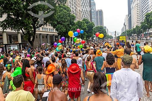 Foliões na Avenida Presidente Vargas durante o carnaval  - Rio de Janeiro - Rio de Janeiro (RJ) - Brasil