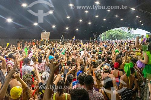 Foliões no Túnel Novo durante o carnaval  - Rio de Janeiro - Rio de Janeiro (RJ) - Brasil