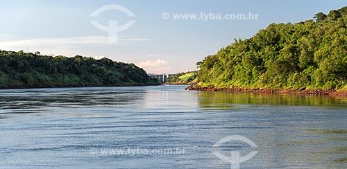 Trecho do Rio Paraná  - Foz do Iguaçu - Paraná (PR) - Brasil