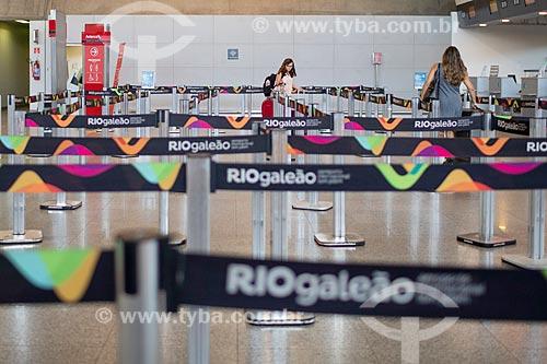 Fila para o check-in Aeroporto Internacional Antônio Carlos Jobim  - Rio de Janeiro - Rio de Janeiro (RJ) - Brasil