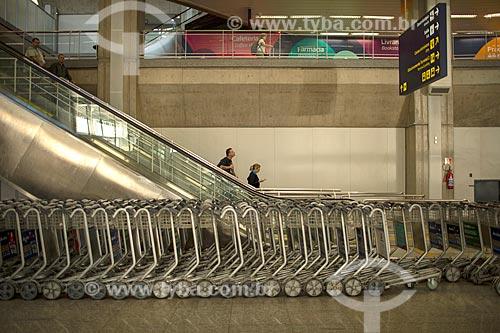 Carrinho para bagagem no Aeroporto Internacional Antônio Carlos Jobim  - Rio de Janeiro - Rio de Janeiro (RJ) - Brasil