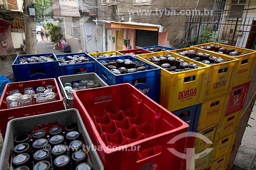 Caixas de cerveja em bar na Favela Tavares Bastos  - Rio de Janeiro - Rio de Janeiro (RJ) - Brasil