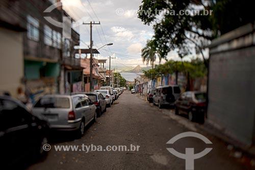 Rua na Favela Tavares Bastos com o Pão de Açúcar ao fundo  - Rio de Janeiro - Rio de Janeiro (RJ) - Brasil
