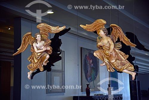 Esculturas de anjos em estilo barroco na entrada da Sala Cândido Portinari no Palácio do Itamaraty  - Brasília - Distrito Federal (DF) - Brasil