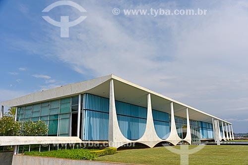 Fachada do Palácio da Alvorada - residência oficial do Presidente do Brasil  - Brasília - Distrito Federal (DF) - Brasil