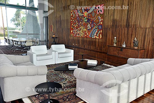 Interior do Salão de Estado - destaque da tapeçaria intitulada Flora e Fauna da Bahia de Kennedy Bahia - no Palácio da Alvorada - residência oficial do Presidente do Brasil  - Brasília - Distrito Federal (DF) - Brasil