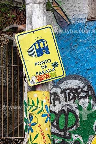 Placa indicando local de ponto de parada do Bonde de Santa Teresa  - Rio de Janeiro - Rio de Janeiro (RJ) - Brasil