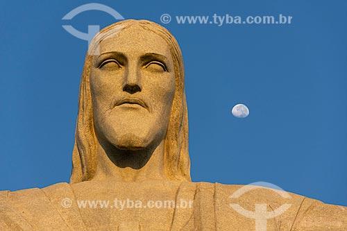 Detalhe da estátua do Cristo Redentor durante o amanhecer  - Rio de Janeiro - Rio de Janeiro (RJ) - Brasil