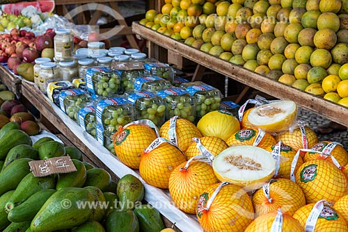 Detalhe de frutas à venda na Feira livre da Praça Nicarágua  - Rio de Janeiro - Rio de Janeiro (RJ) - Brasil