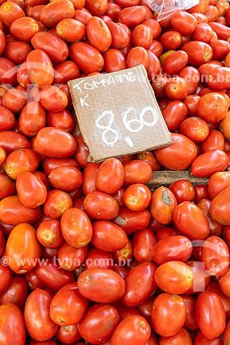 Detalhe de tomate à venda na Feira livre da Praça Nicarágua  - Rio de Janeiro - Rio de Janeiro (RJ) - Brasil