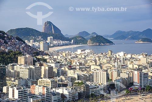 Foto aérea do bairro de Ipanema com a Praia de Copacabana e o Pão de Açúcar ao fundo  - Rio de Janeiro - Rio de Janeiro (RJ) - Brasil