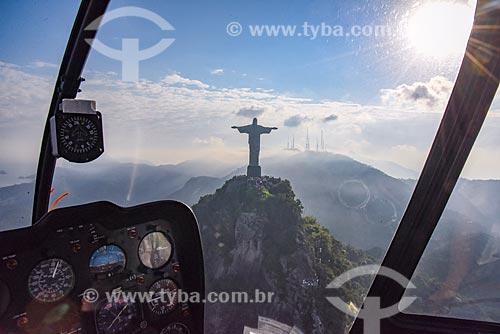 Foto aérea do Cristo Redentor à partir de helicóptero  - Rio de Janeiro - Rio de Janeiro (RJ) - Brasil