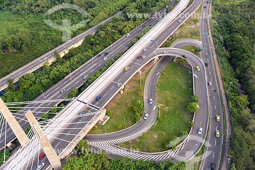 Foto aérea da Ponte Cardeal Dom Eugênio de Araújo Sales (2013)  - Rio de Janeiro - Rio de Janeiro (RJ) - Brasil