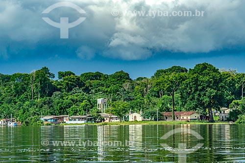 Comunidade ribeirinha às margens do Rio Jari  - Laranjal do Jari - Amapá (AP) - Brasil