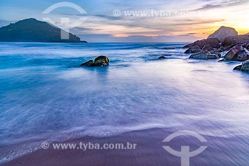 Praia da Ferrugem durante o amanhecer  - Garopaba - Santa Catarina (SC) - Brasil