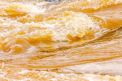 Detalhe de de corredeira no Rio Pomba na zona rural da cidade de Guarani  - Guarani - Minas Gerais (MG) - Brasil