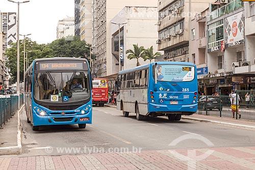 Tráfego de ônibus na Avenida Rio Branco  - Juiz de Fora - Minas Gerais (MG) - Brasil