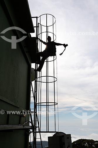 Fotógrafo   Torres de telecomunicação no Morro do Sumaré com o Bico do Papagaio ao fundo  - Rio de Janeiro - Rio de Janeiro (RJ) - Brasil