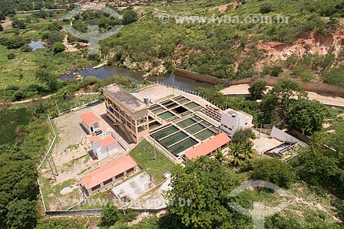 Foto feita com drone de estação de tratamento de água e vertedouro do Açúde Engenheiro Ávidos  - Cajazeiras - Paraíba (PB) - Brasil