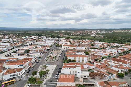 Foto feita com drone da Praça Francisco Sá - também conhecida como Praça Cristo Rei - com a Igreja de SantAna (1808) ao fundo  - Currais Novos - Rio Grande do Norte (RN) - Brasil