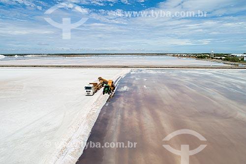 Foto feita com drone da extração de sal em tanques de evaporação  - Macau - Rio Grande do Norte (RN) - Brasil