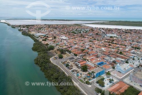Foto feita com drone da cidade de Macau com o Rio Piranhas-Açu com salinas ao fundo  - Macau - Rio Grande do Norte (RN) - Brasil