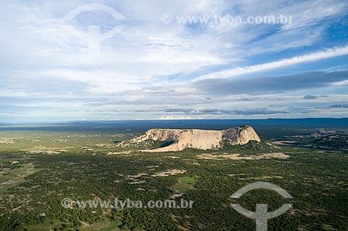Foto feita com drone de formação geológica característica do seridó potiguar denominada lage formosa  - São Rafael - Rio Grande do Norte (RN) - Brasil