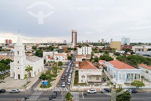 Foto feita com drone da Igreja de São Vicente (1915) - à esquerda - com o Prefeitura da cidade de Mossoró - à direita  - Mossoró - Rio Grande do Norte (RN) - Brasil