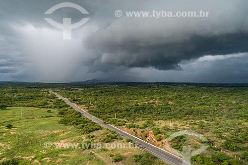 Foto feita com drone de chuva no sertão da paraíba na Rodovia Transamazônica (BR-230)  - Pombal - Paraíba (PB) - Brasil
