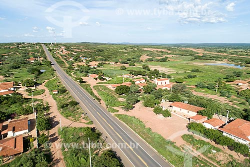 Foto feita com drone de trecho da Rodovia Santos Dumont (BR-116)  - Jati - Ceará (CE) - Brasil
