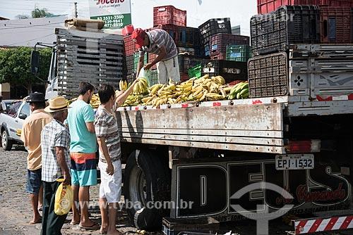 Bananas à venda em feira livre na cidade de Cajazeiras  - Cajazeiras - Paraíba (PB) - Brasil