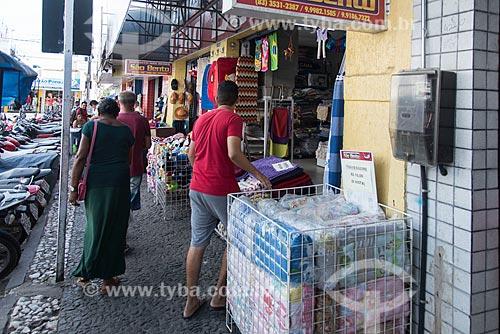 Lojas em rua comercial no centro da cidade de Cajazeiras  - Cajazeiras - Paraíba (PB) - Brasil