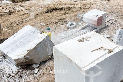 Detalhe de bloco de mármore em mina  - São José do Seridó - Rio Grande do Norte (RN) - Brasil