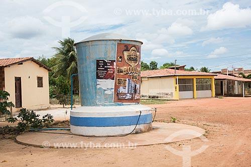 Caixa dágua de poço artesiano para abastecer a população  - Mossoró - Rio Grande do Norte (RN) - Brasil