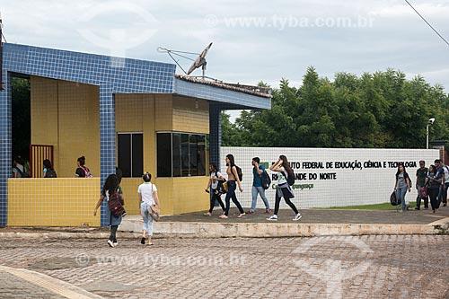 Alunos chegando no Instituto Federal de Educação, Ciência e Tecnologia  - Ipanguaçu - Rio Grande do Norte (RN) - Brasil