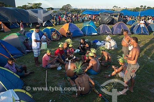 Ritual de dança da tribo Pankararu durante o 15º Acampamento Terra Livre na Esplanada dos Ministérios  - Brasília - Distrito Federal (DF) - Brasil