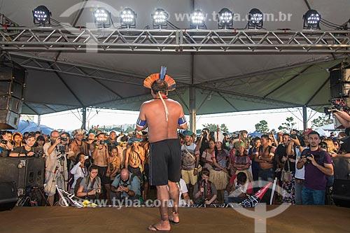 Liderança indígena durante o 15º Acampamento Terra Livre na Esplanada dos Ministérios  - Brasília - Distrito Federal (DF) - Brasil