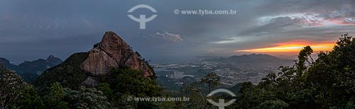 Bico do Papagaio no Parque Nacional da Tijuca durante o pôr do sol  - Rio de Janeiro - Rio de Janeiro (RJ) - Brasil