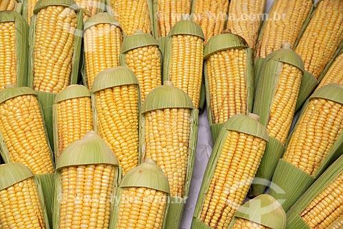 Detalhe de milho à venda na Feira livre da Praça Nicarágua  - Rio de Janeiro - Rio de Janeiro (RJ) - Brasil