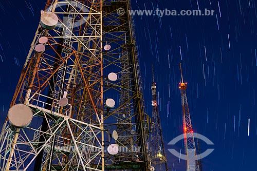 Torres de telecomunicação no Morro do Sumaré durante o amanhecer  - Rio de Janeiro - Rio de Janeiro (RJ) - Brasil